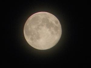 満月で体がむくむときのヨガポーズ